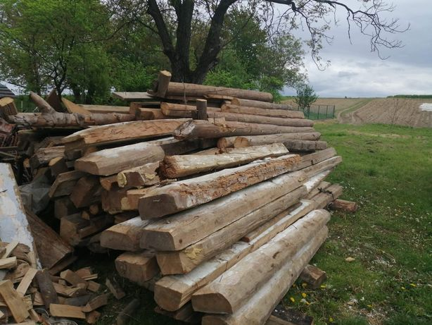 Bale stare drewno, belki, deski obiciowe, stare