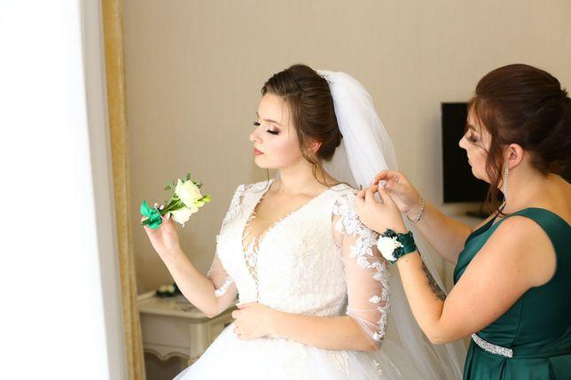 Продаю бомбезну весільну сукню