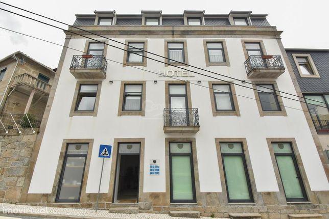 Hotel totalmente remodelado c/ 17 quartos    Zona turística do DOURO j