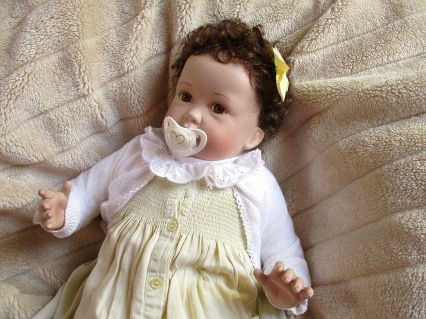 Menina de caracóis - Bebe Reborn lindíssima