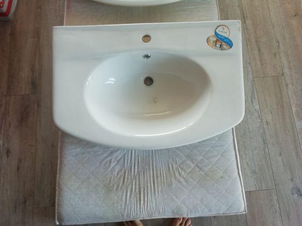 Sprzedam ceramiczną umywalkę meblową HYBNER BELLA