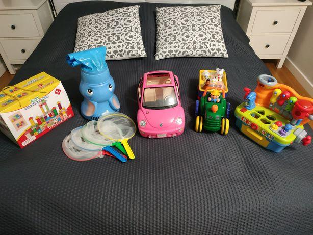 Traktor Fisher Price, słoń Elefun, samochód Barbie, warsztat