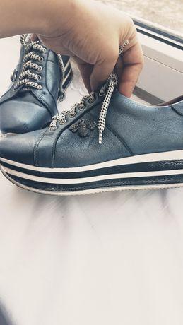 Шкіряні туфлі,кросівки