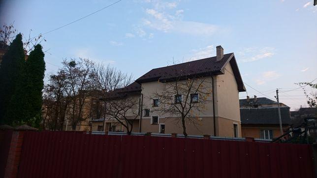 Будинок в затишному центрі