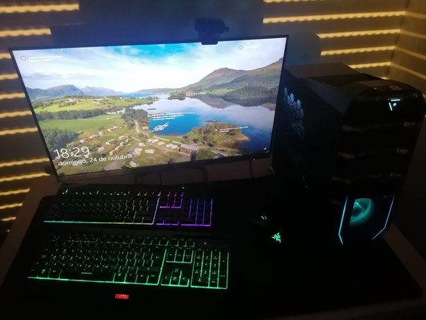 Vende-se Torre,monitor,2teclados um rato,uma câmera,um mause pad gamer