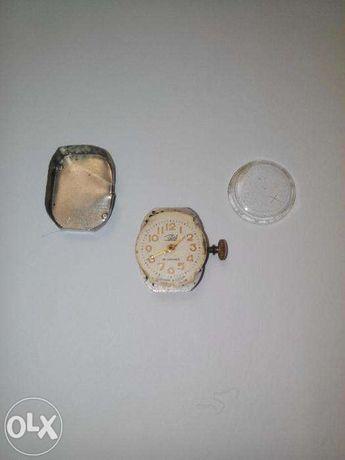 Продам механизм и стекло к женским часам Заря