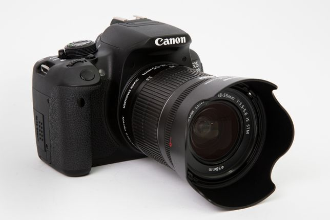 Canon EOS 700D obiektyw EFS 18-55 F3,5-5,6 IS STM