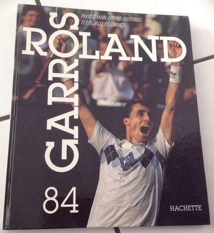 """Livro """"Roland Garros"""" - Novo"""