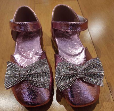 Sapatos novos tam 34