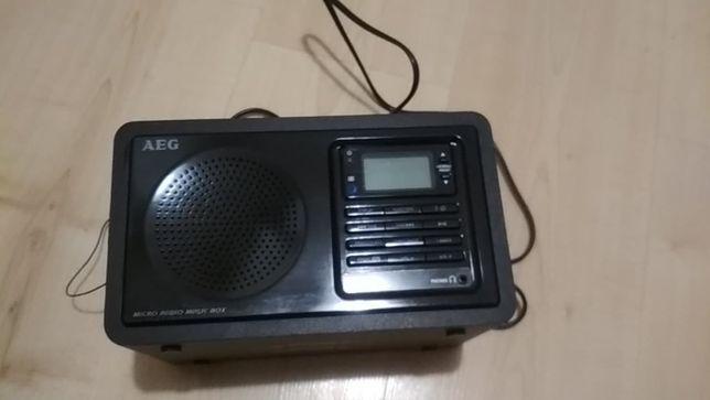Radio Radiobudzik z odtwarzaczem AEG MR 4115 i jak nowe