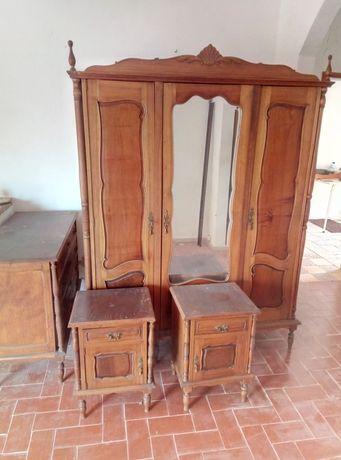 Mobília de quarto antiga