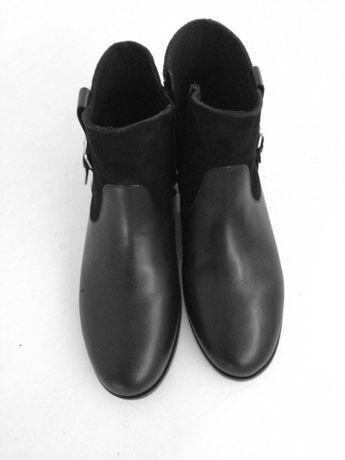 Vendo botins/ botas pretos em pele novos