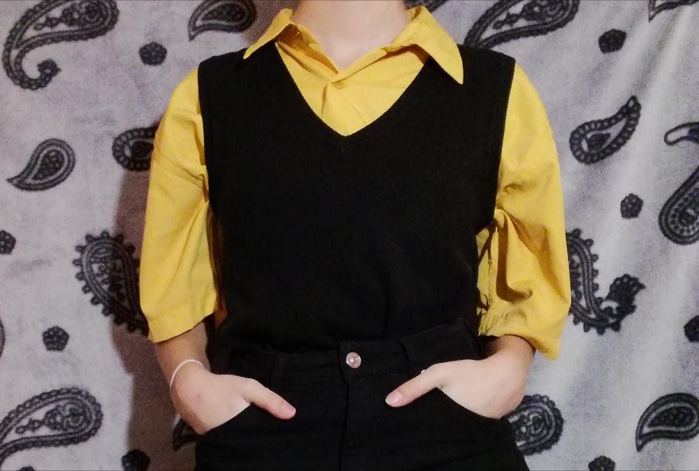 Czarny sweterek w serek, bez rękawów Ełk - image 1