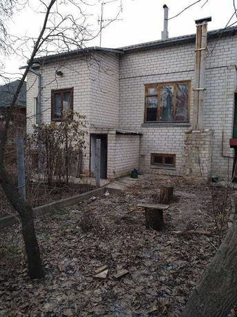 Продам  дом в 10 минутах от м. Холодная гора
