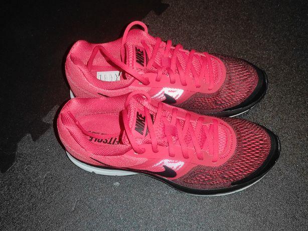 Sapatilhas Nike Pegasus n. 42 (novas)