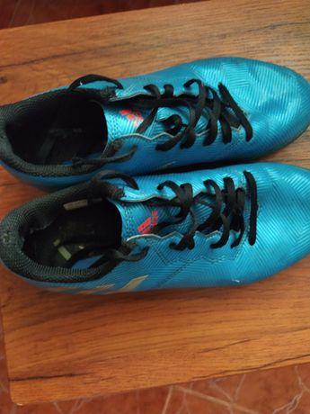 Кроссовки для футбола р. 36