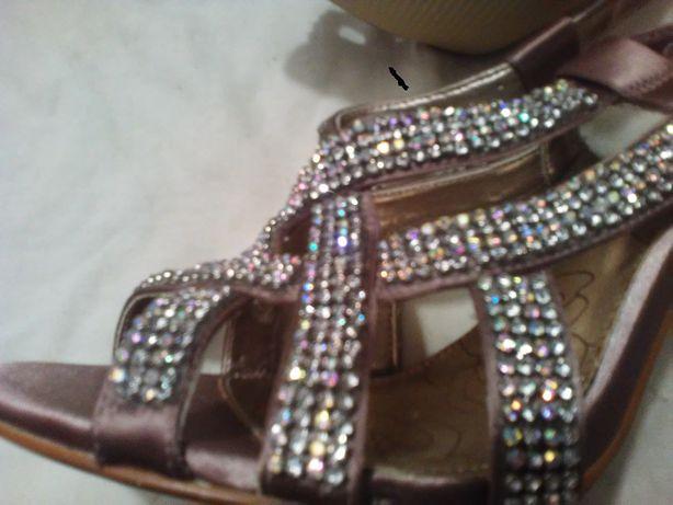 buty szpilki NOWE, pięknie połyskujące roz.6,5-39/40 satyna-wesele,bal