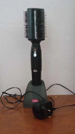 escova de cabelo Super Styler a funcionar perfeitamente