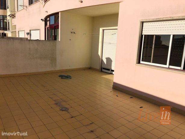 Apartamento T1 com Terraço e Box no Centro de Mafra