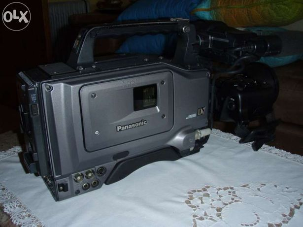 Máquina Camera de filmar Panasonic AG-DVC-200 DV