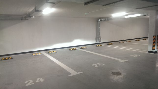 Miejsce parkingowe / postojowe / garaż / ul. Panoramiczna