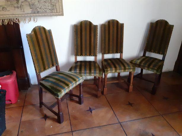 Stare antyczne dębowe krzesła pałacowe 4 sztuki Germany