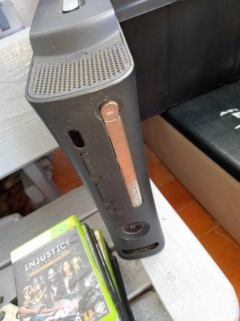 XBOX 360 Elite 120GB Desbloqueada/Chipada