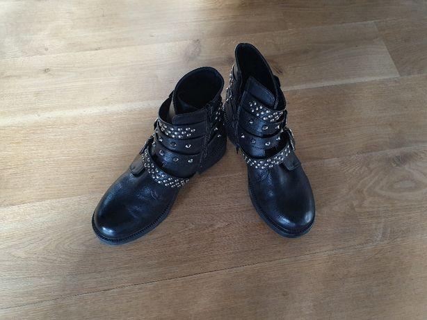 Buty skórzane rozm. 37, długość wkładki 23,5 cm.