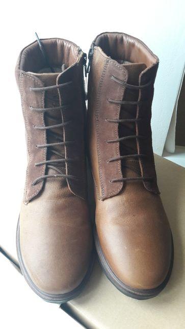 Осенние кажаные ботинки Zara р.39