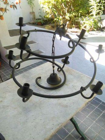 Vendo candeeiro de teto fabrico artesanal em ferro forjado
