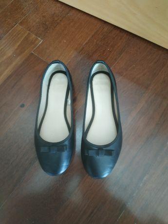 Sapatos/sabrinas preto 35