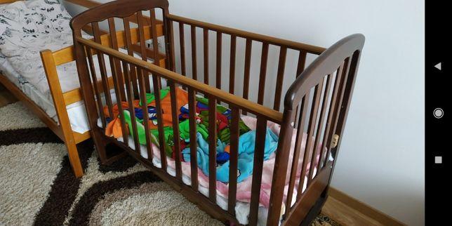 Кроватка детская , стол письменный