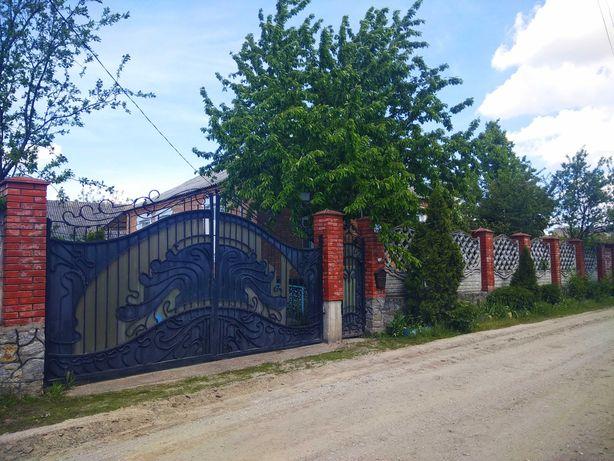 Продается большой добротный  дом в Турбове  (20 мин. езды до Винницы).