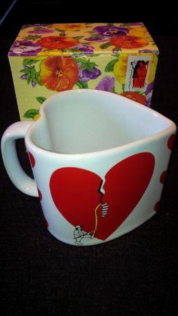 """Продам чашку-сувенир """"Сердце""""."""