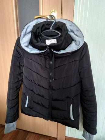 Куртка женская, демисезонная 1000 руб