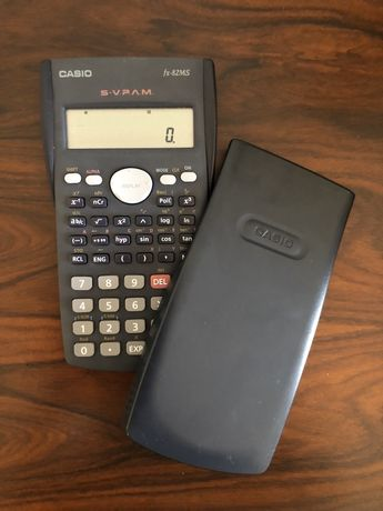 Calculadora Casio nova