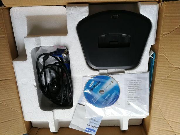 Monitor LCD Samsung SyncMaster 710V