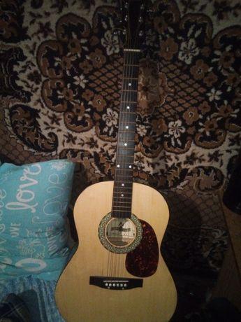 Гитара акустическая Maxtone