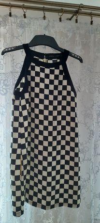Sukienka szachownica zara