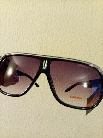 Vendo óculos novos de marca Carrera com caixa