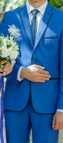 Весільний, випускний костюм