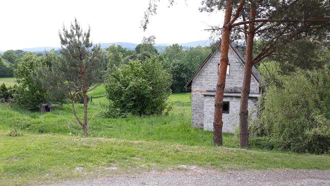 Działka budowlana GŁOGOCZÓW 26 arów z budynkiem z numerem prąd studnia