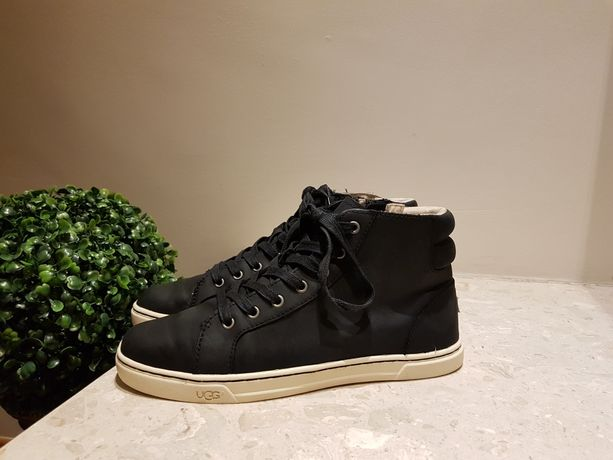 buty trzewiki UGG r.39