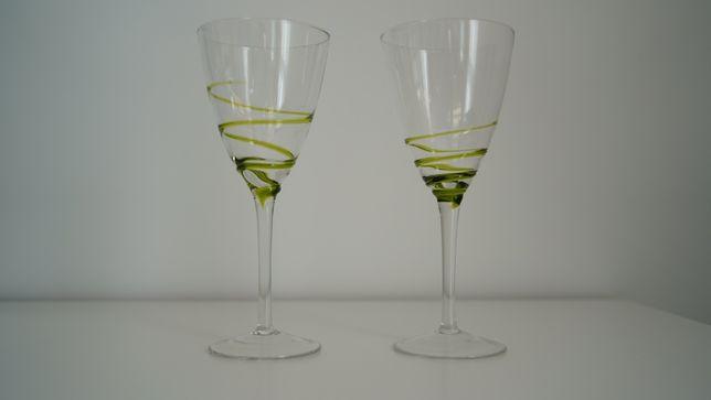 Kieliszki do wina zielone, dwa, kieliszek, szkła, duże kieliszki