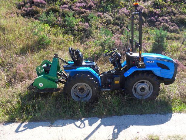 Koszenie traw nieużytków ugorów traktor kosiarka bijakowa poboczy