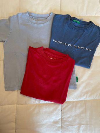 3 T-shirts básicas T:3 A  2 da benneton e 1 da zippy