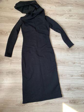 Платье на флисе с капюшоном