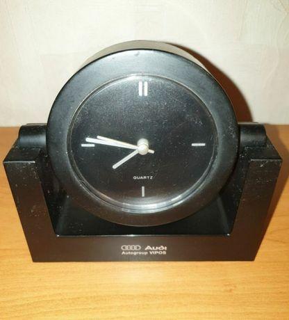 Часы настольные кварцавые