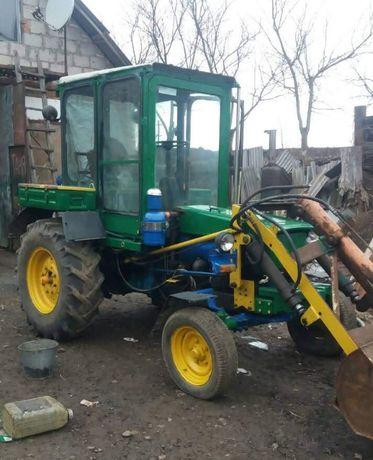 Трактор Т28