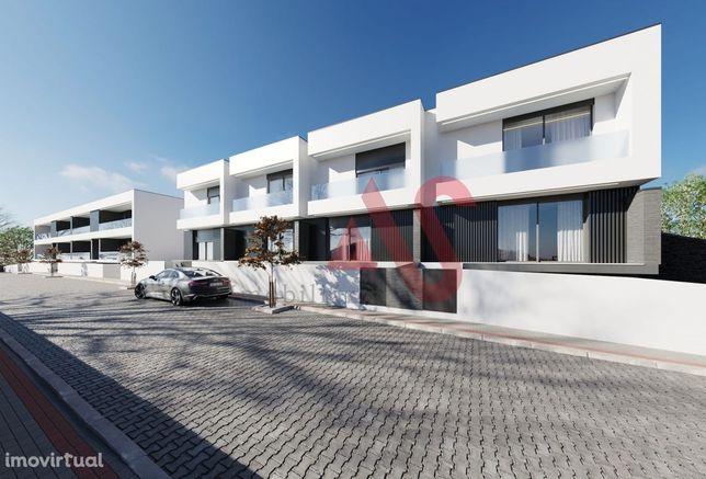 Moradia T3 com logradouro em Abade Neiva, Barcelos